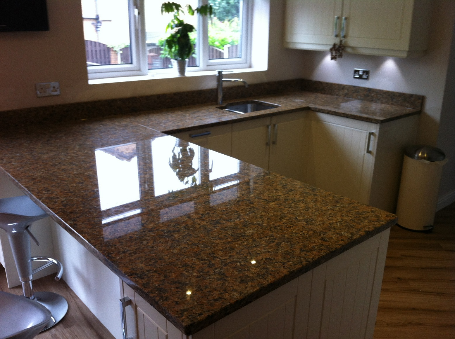 Quartz Worktops : We supply Marble Worktops, Granite Worktops and Quartz Worktops in the ...